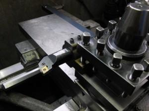 ゴリラホルダーに32mmの内径ボーリングバーを取りつけた状態