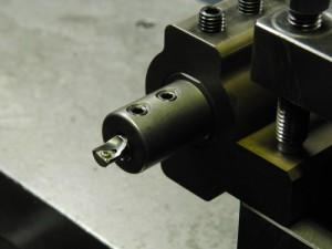 ゴリラホルダーに8mmの内径加工バイトをホルダーを取りつけた状態