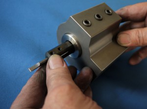 スリーブをセッティング後内径工具をセット