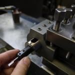 小径の内径ツーリング工具をゴリラホルダーにセッティング