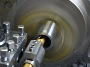 機械構造用炭素鋼鋼管STKMパイプ材加工