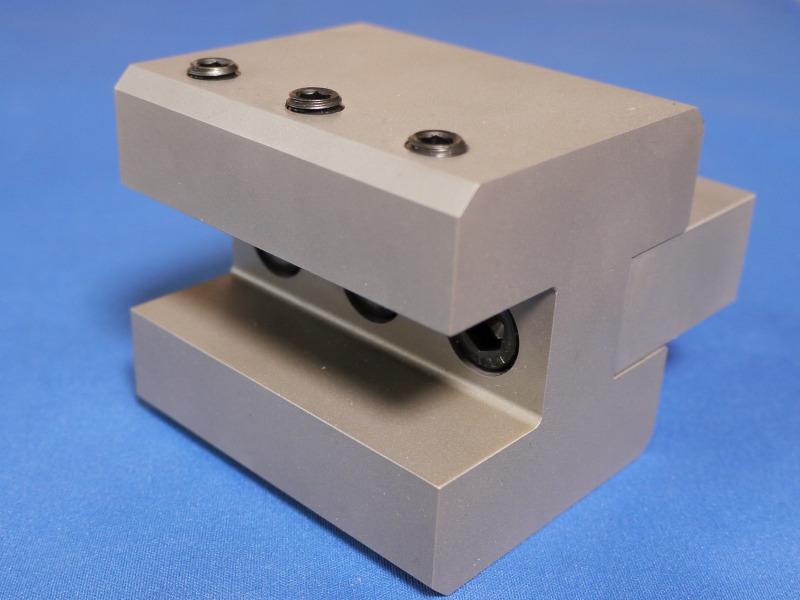 NC旋盤用外径工具用ホルダー
